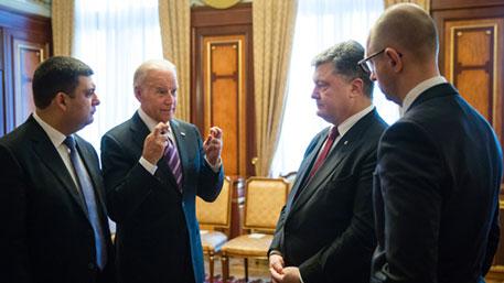 """Трамп розкручує історію про зв'язки Байдена і влади України, оскільки вважає його своїм """"найгрізнішим суперником"""", - конгресмен Шифф - Цензор.НЕТ 1813"""