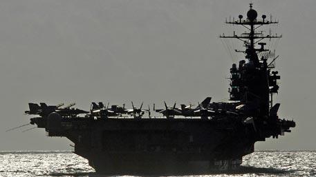 Иран потребовал от США вывести авианосец из Оманского залива