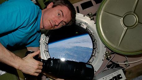 Российский космонавт Сергей Крикалев рассказал, какую зарплату получают на МКС