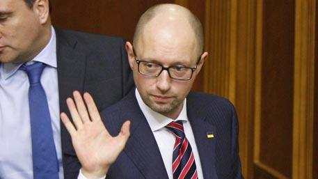 На Украине собирают подписи за отправку Яценюка в Донбасс
