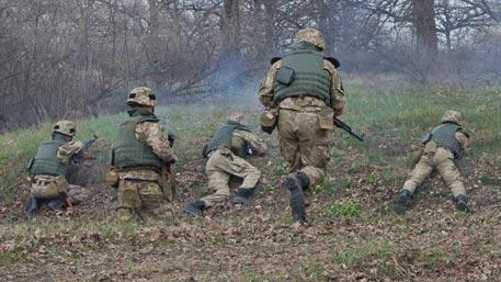 Украинские военные сбежали в ЛНР, спасаясь от огня нетрезвых сослуживцев