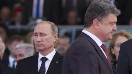 Порошенко срочно захотел пообщаться с Путиным