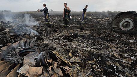 Пустить по ложному следу: зачем Киев намеренно запутывает дело о сбитом малайзийском Boeing