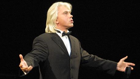 Хворостовский перенес концерт в Красноярске из-за болезни