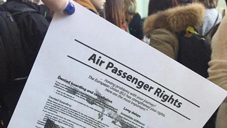 Air Baltic бросила 100 летевших в Париж человек во Франкфурте – пассажир рейса