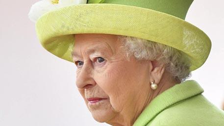 СМИ: сайт королевской семьи опубликовал сообщение о смерти Елизаветы II