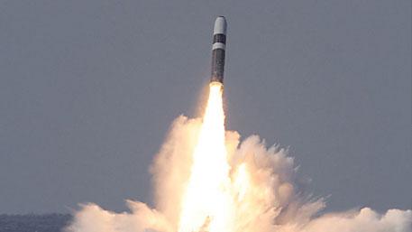США запустили межконтинентальные баллистические ракеты из Калифорнии