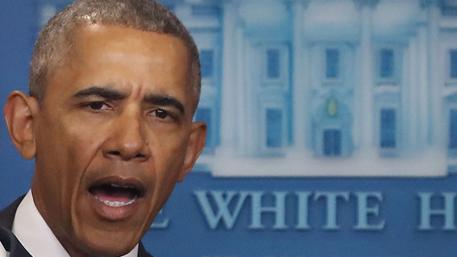 Обама пришел в ярость от обвинений Трампа