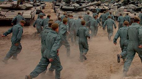 Пьяные украинские военные массово бегут из частей