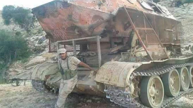 Чудовищный гибрид Т-55 и БТР-60ПБ создали в Ливии: фото