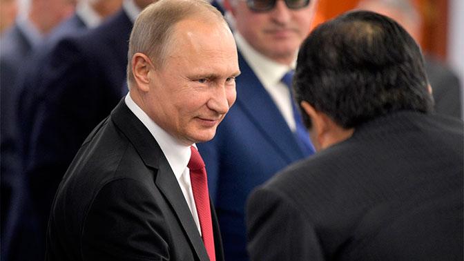 У «мачо» Путина не бывает плохих дней - Bloomberg