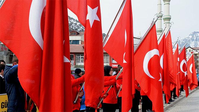 Турция запретила въезд 4 тысячам россиян из-за связей с террористами