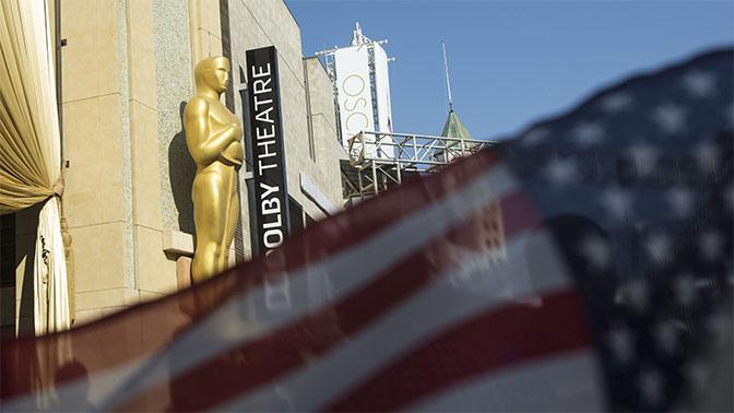 Кончаловский предложил ввести санкции против «Оскара» и сравнил премию с «Макдоналдсом»