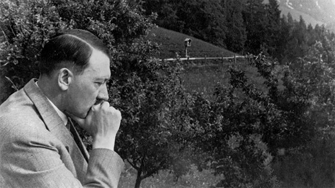 128-летний Гитлер мог скрываться на подводной лодке - СМИ