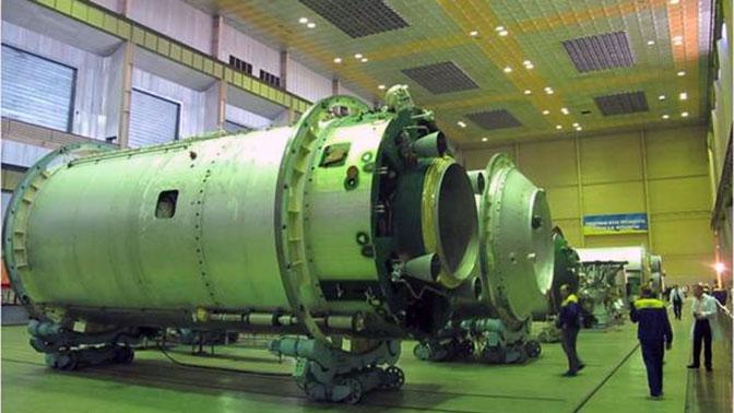 Турчинов посоветовал пользоваться спецсвязью рассказавшему об утечках ракетных технологий в КНДР директору «Южмаша»