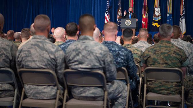 Трамп объяснил запрет на службу трансгендеров в армии США