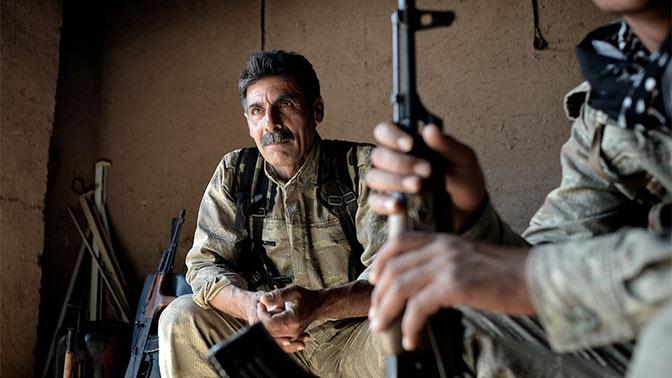 Террористы ИГИЛ* терпят поражение в боях с курдами в Ракке