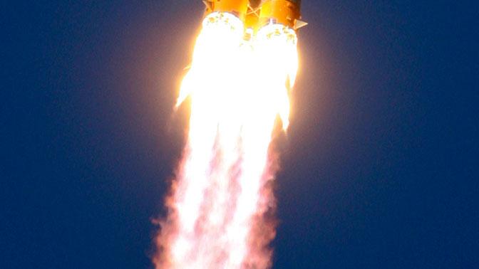 Дипломаты РФ предложили британцам летать в космос на iPhone после статьи в Times