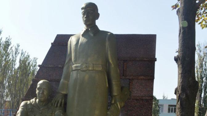 Тег: памятник ополченцам