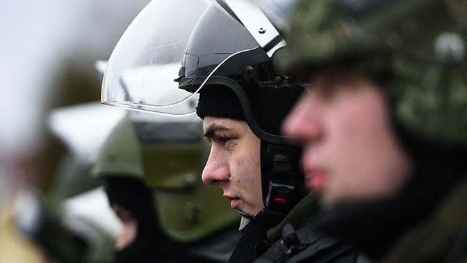 Дебош 90 пьяных вахтовиков в поезде в Забайкалье пришлось усмирять спецназу