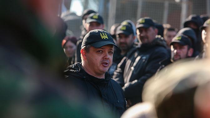 Семенченко призвал украинских военных с оружием идти на Киев