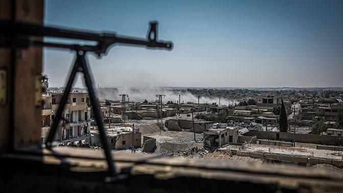 «Грязный секрет Ракки»: BBC рассказала о сделке террористов ИГИЛ* с США и Британией