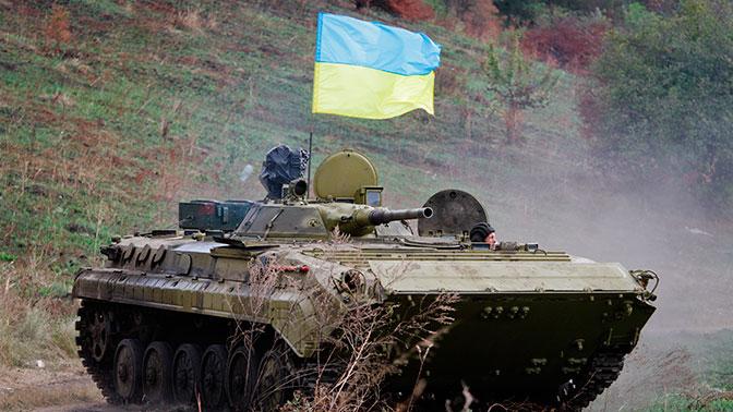 Украинские военные расстреляли из БМП кафе под Луганском за отказ дать взятку