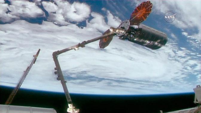 Американский грузовой корабль Cygnus успешно пристыковался к МКС