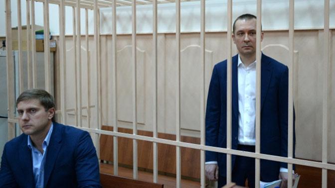 Мать и сестра полковника Захарченко покинули Россию – источник