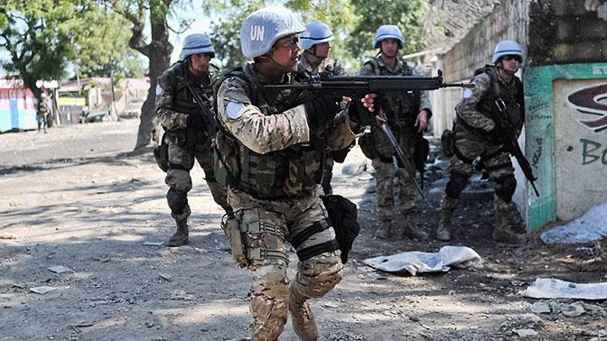 Главком украинской армии объявил оподготовке квводу миротворцев вДонбасс