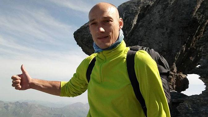 Умер руфер, покрасивший звезду в столицеРФ вцвет флага государства Украины