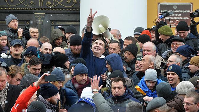 Саакашвили и его крыша: кто прикрывает «беспредел» Мишико в Киеве