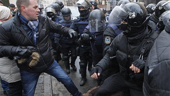 ВКиеве силовики напали напалаточный лагерь около Рады