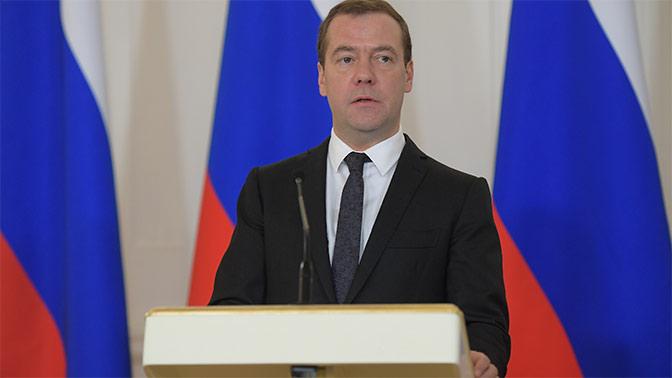Медведев потребовал от министров слаженной работы в преддверии выборов