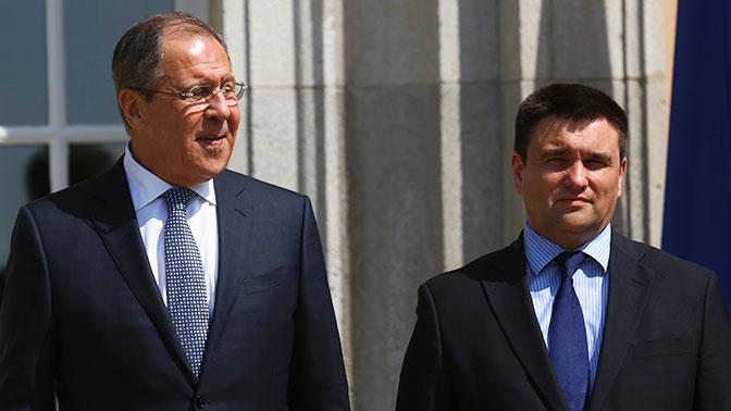 Главы МИД России и Украины встретились впервые за три года