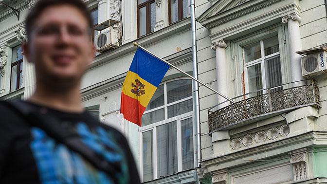Руководство  Молдавии одобрило смену наименования  молдавского языка нарумынский