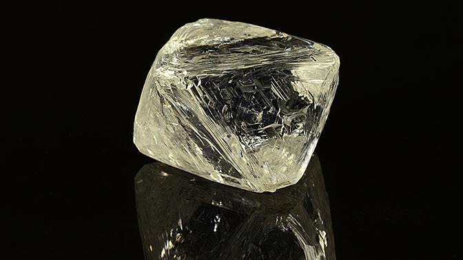 Алмаз массой почти 100 карат нашли в Якутии
