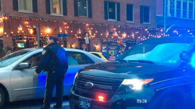 ВСША мужчина открыл стрельбу подвум полицейским
