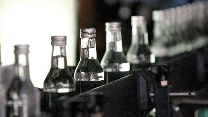 Российские сенаторы предлагают понизить градус водки