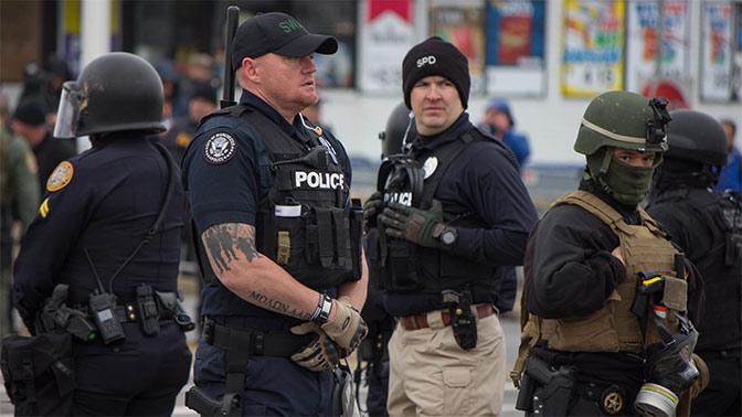 В США полиция за год расстреляла около тысячи человек