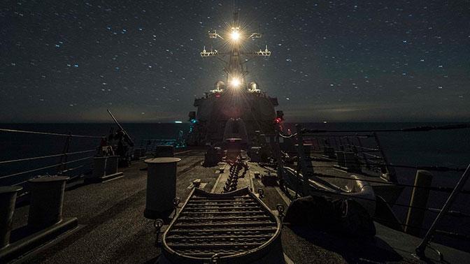 Американские военные опубликовали фотографии эсминца ВМС США Carney вЧерном море