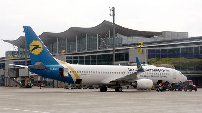 Украина закрыла въезд в страну для тысяч посетивших Крым иностранцев