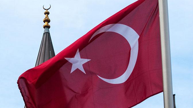 Юнкер назвал причину, покоторой Турция неможет вступить вЕС