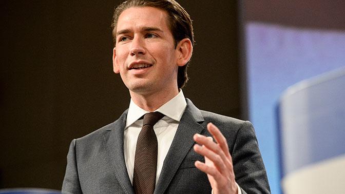 Канцлер Австрии поддержал поэтапное снятие санкций с РФ