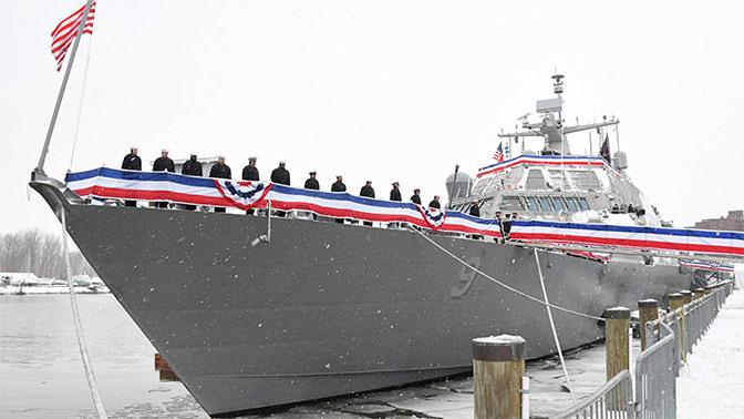 Новейший корабль ВМС США застрял во льдах