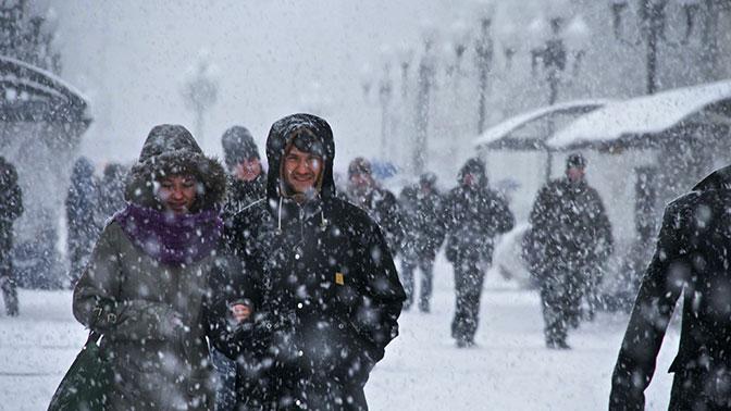 Граждан Подмосковья предупредили омокром снеге иметели 3февраля