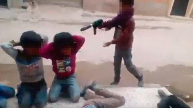 Игра ливийских детей в групповую казнь попала на видео