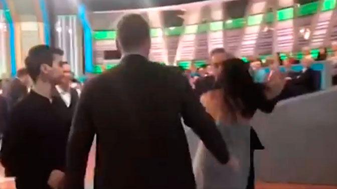 В Сети появилось закулисное видео после драки ведущего НТВ с украинским экспертом