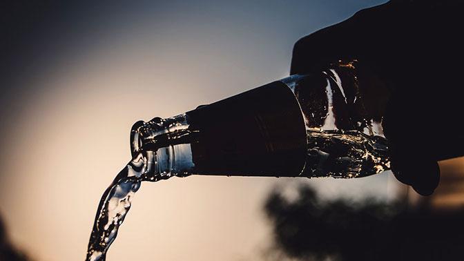 Контрафактный спирт будут ликвидировать наместе сразу после обнаружения