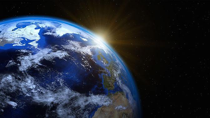 Вокруг Земли создалась загадочная линия протяженностью отАнтарктиды доСеверного полюса